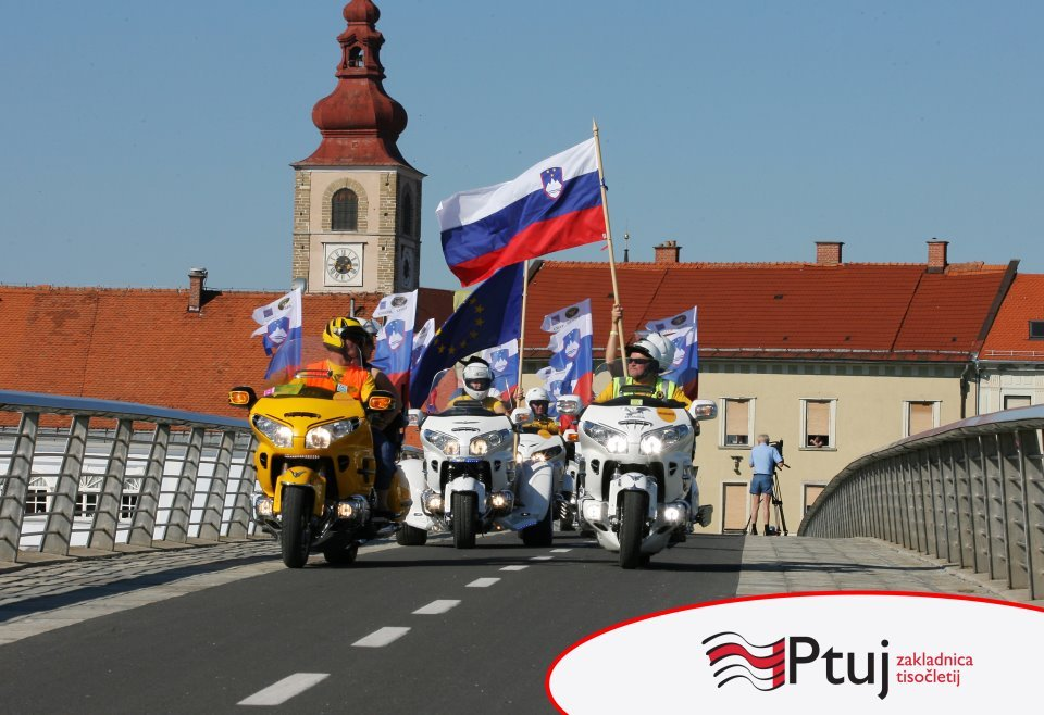 PTUJ-2012-Parada-narodov