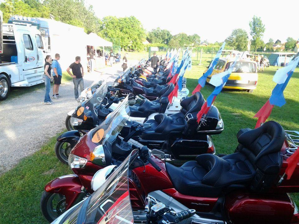 Ptuj-2012-Vsi-motorji-imajo-GW-mašino-in-SLO-zastavo